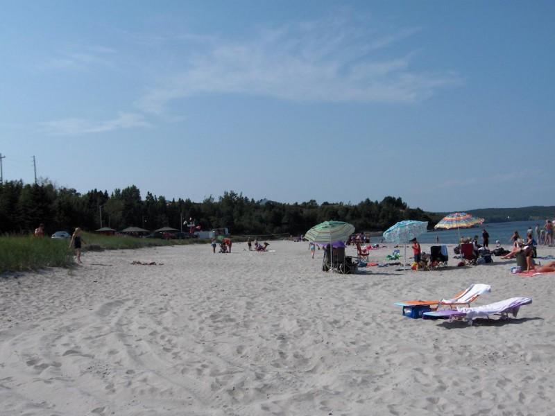 Sandy Cove Beach Cabins
